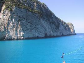 diepblauw water
